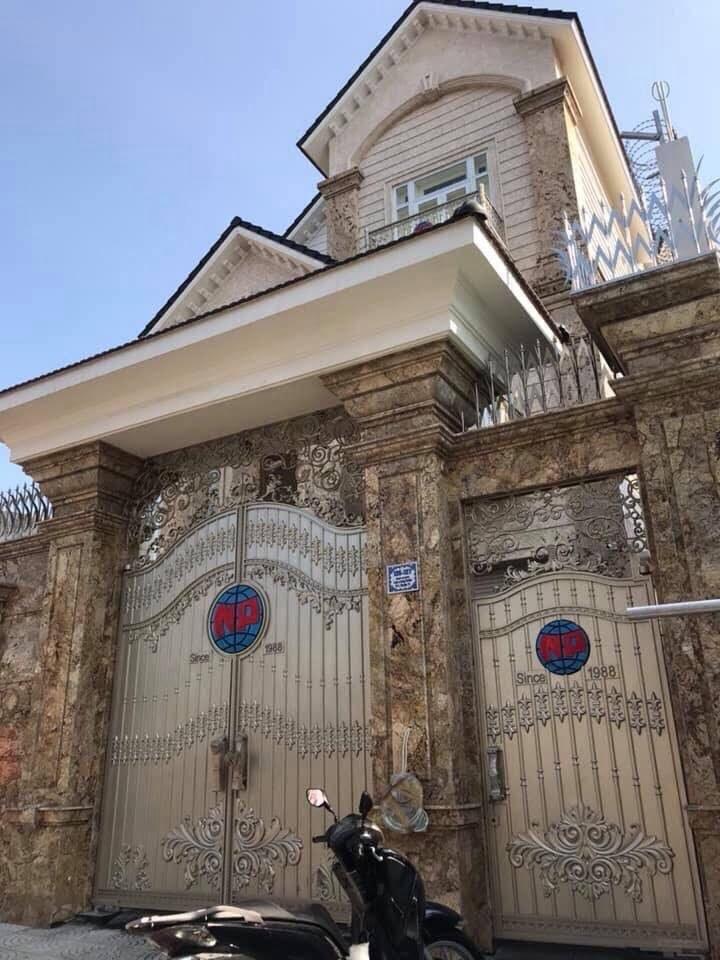 đá ốp cột cổng