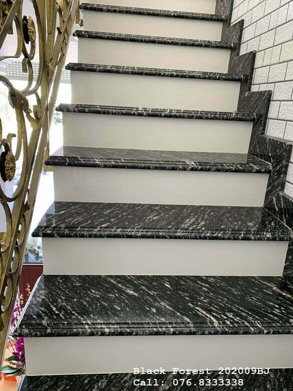 Đá ốp cầu thang đẹp - Đá Black Forest