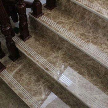 Đá nâu Tây Ban Nha ốp cầu thang