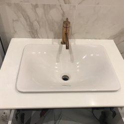 đá nhân tạo làm lavabo